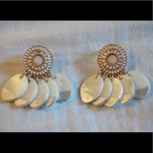 Parfois Orient Pearl Dangling Earrings NWOT